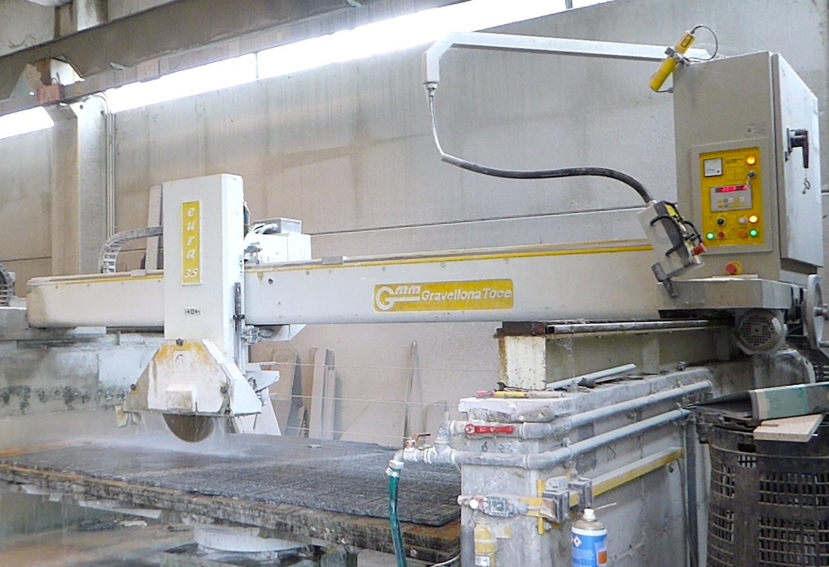 Used bridge saw for sale Gmm Eura 35 - Side View 2